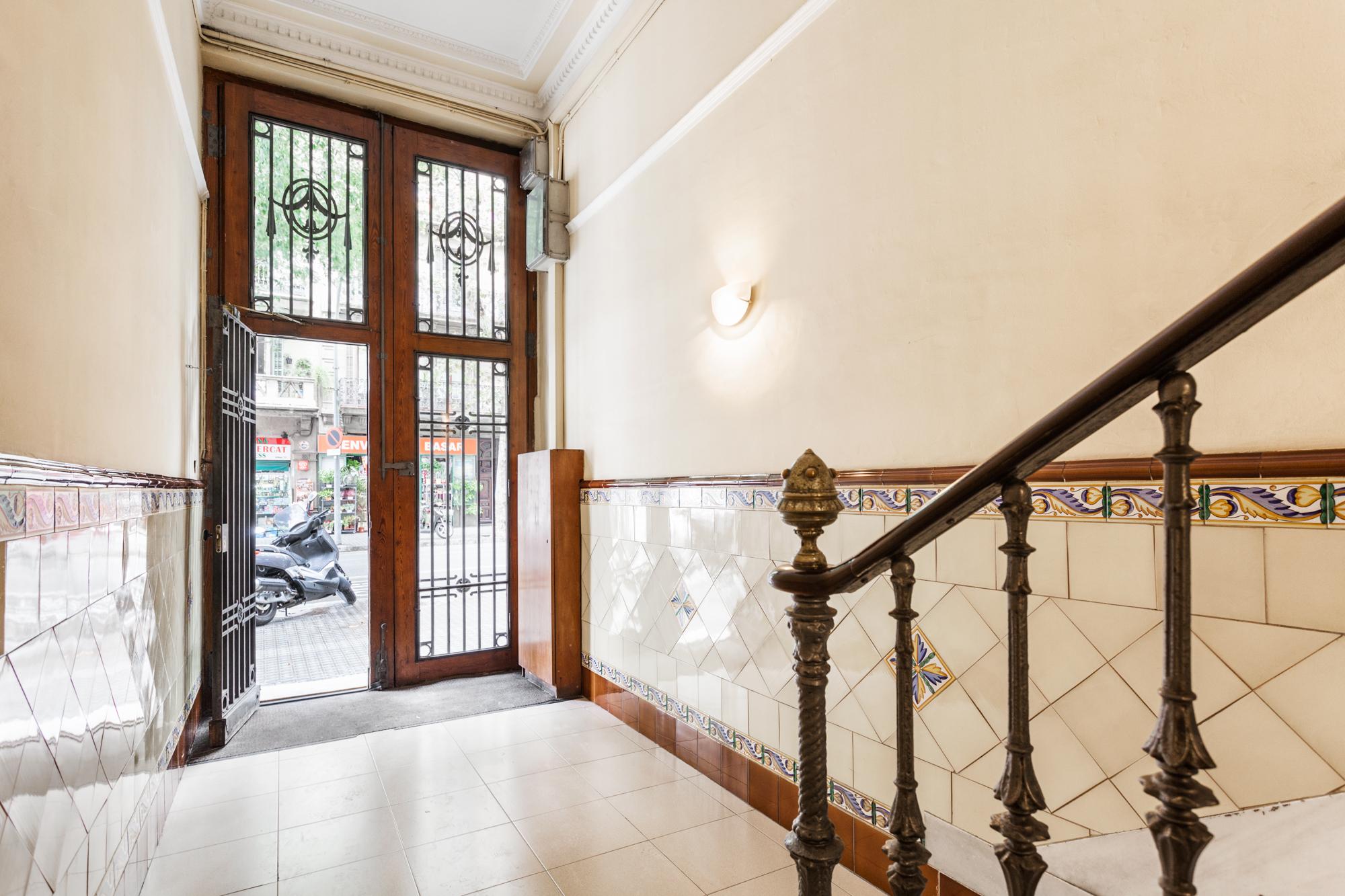 Piso de dise o en la calle aribau my house barcelona - Permiso obras piso barcelona ...